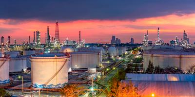 Imagen planta petroquímica y gas